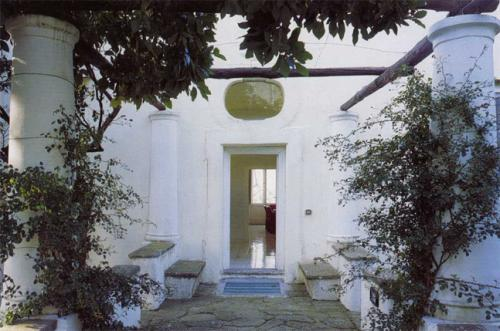 Villa Orlandi: the entry